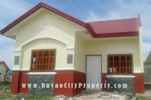 low-cost-housing-Residencia-del-rio-model-house1