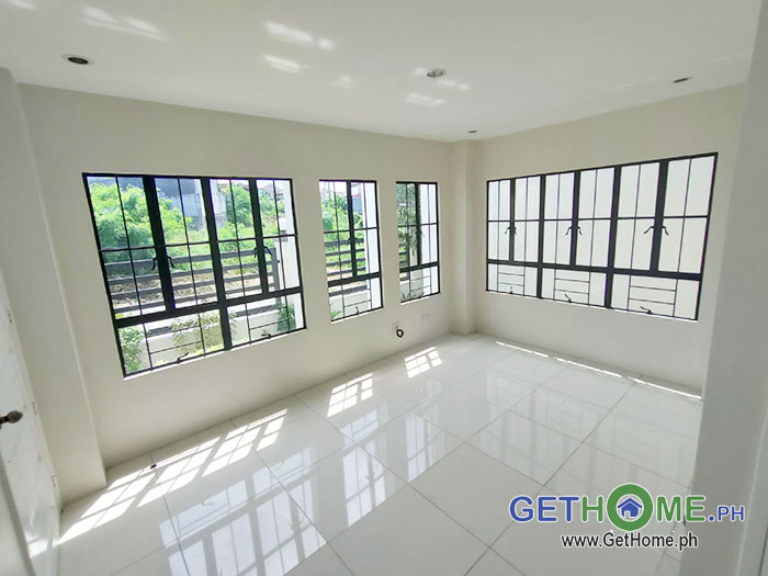 8- 4 Bedrooms 3 Toilet at 13M near Davao Airport