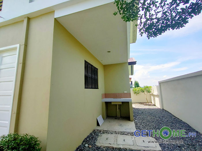 9- 4 Bedrooms 3 Toilet at 13M near Davao Airport