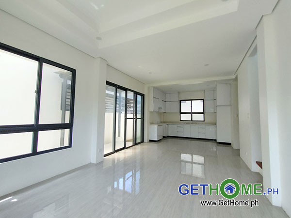 GetHomePh3 4 Bedrooms 3 Toilet & Bath Brand New House and Lot For Sale near Airport big Carport