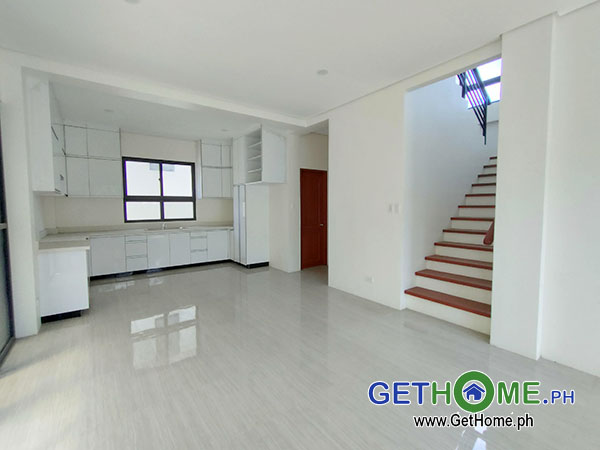 GetHomePh4 4 Bedrooms 3 Toilet & Bath Brand New House and Lot For Sale near Airport big Carport
